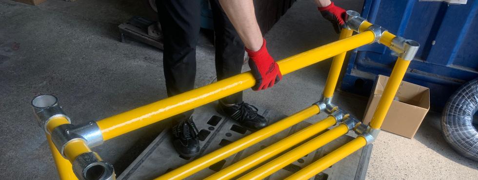 2.単管パイプで簡単に作れるDIYベンチ [#3]☆重要☆座る人の荷重に耐えられる補強!